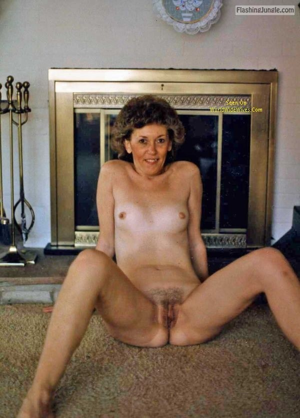 Mature slut Kate last Christmas real nudity
