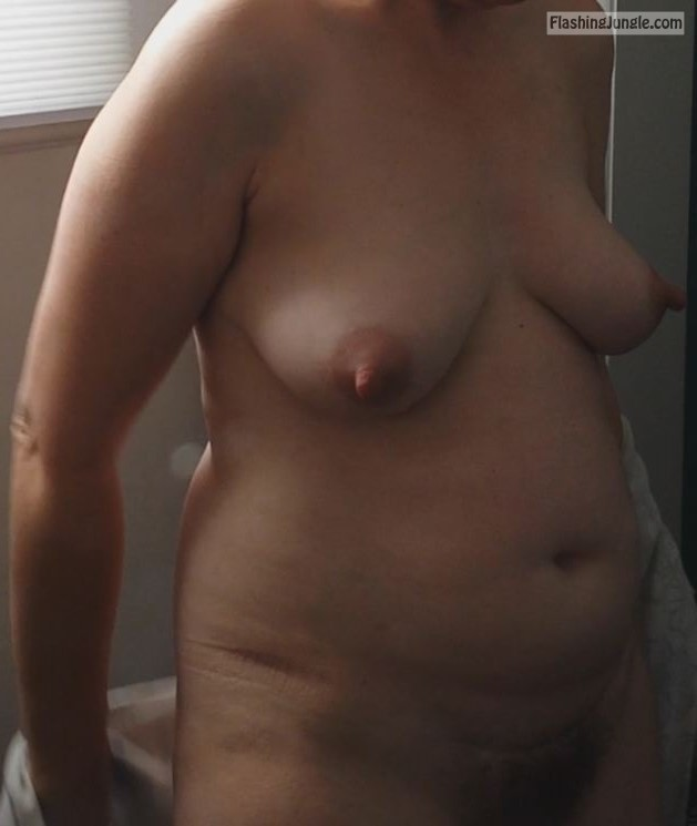Rosy showing her tits real nudity mature boobs flash
