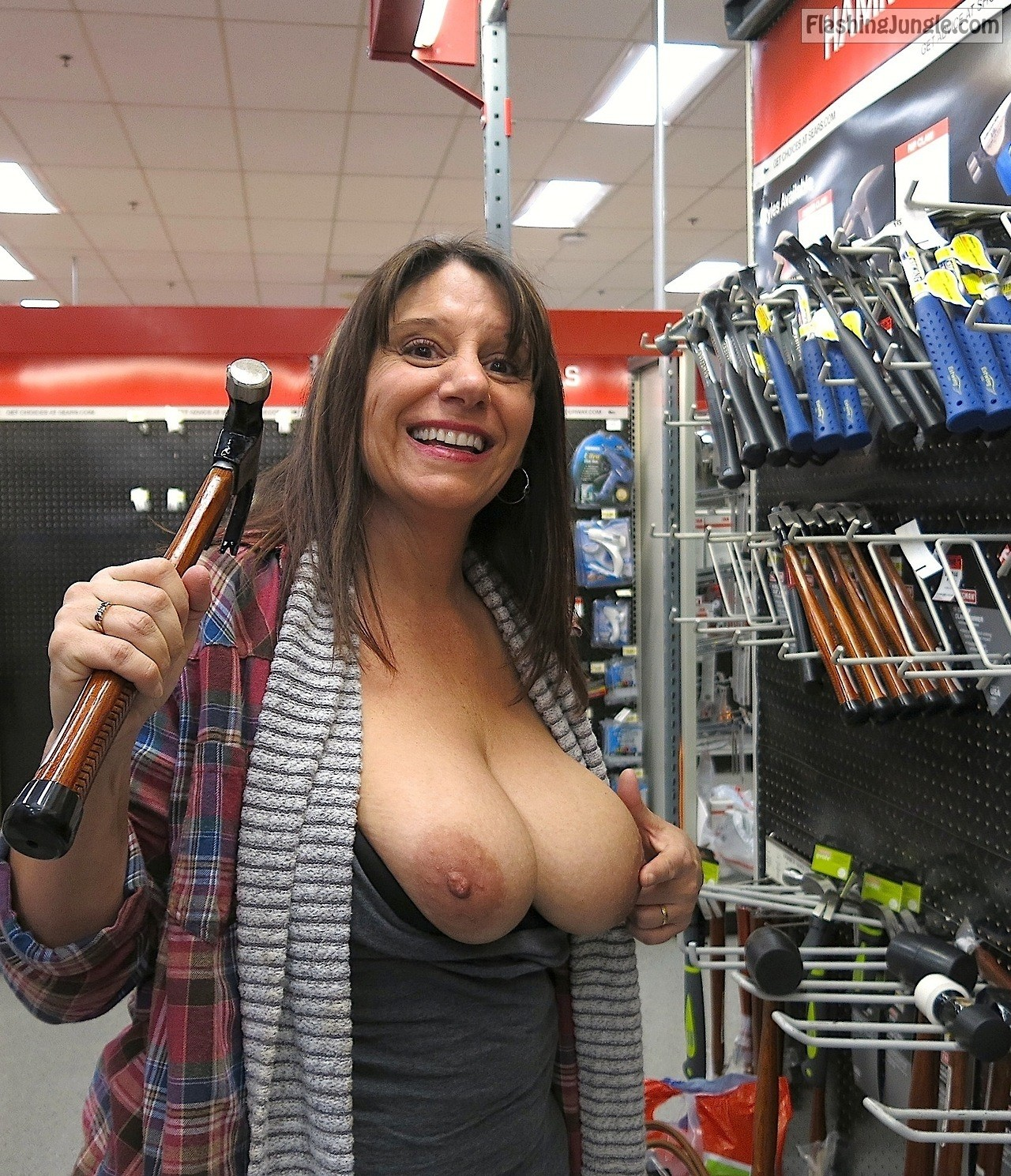 Mature Flashing Pics Flashing Store Pics Boobs Flash Pics