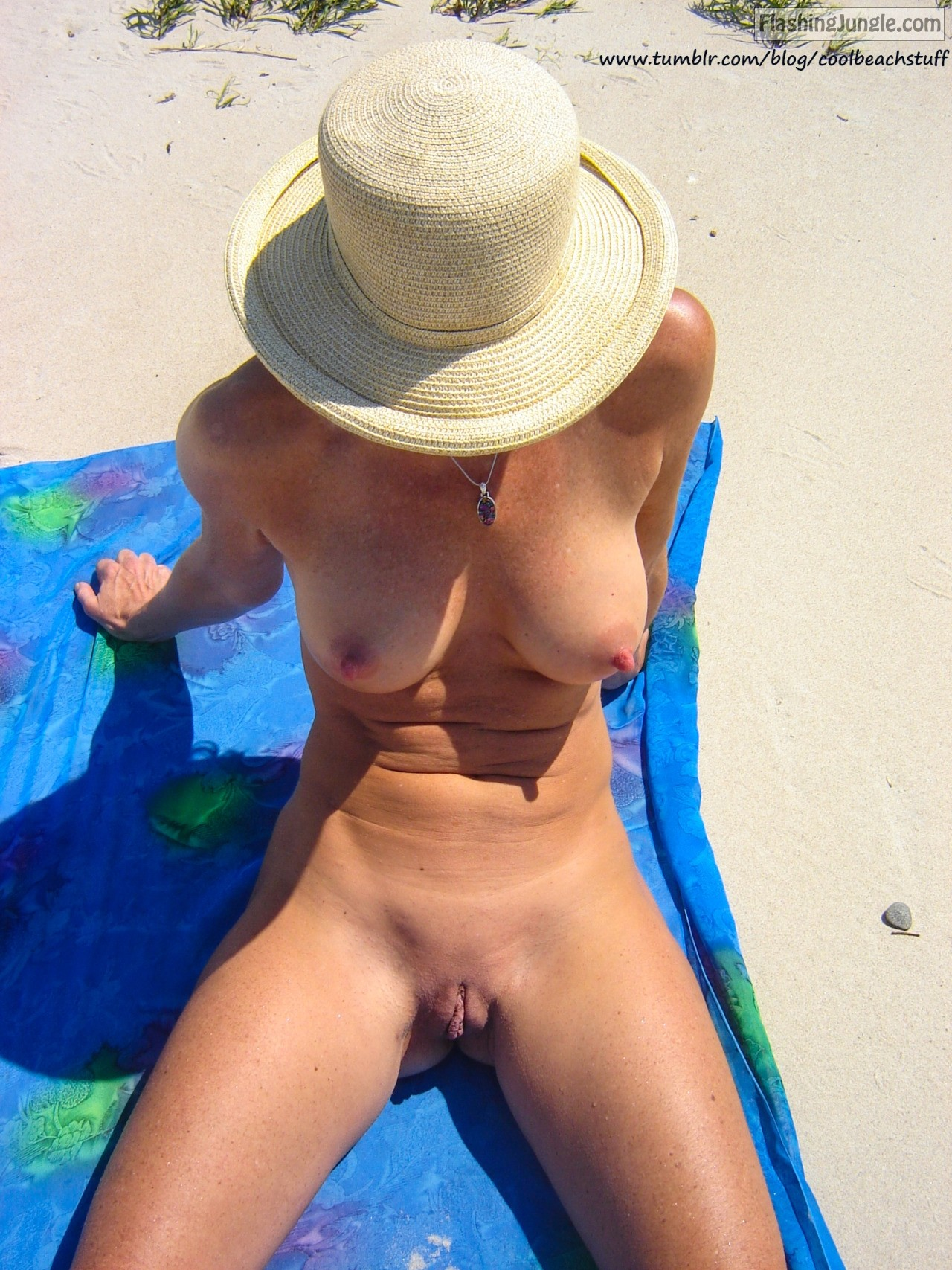 Flashing Jungle - Nude Beach Pics Exhibitionists Photos-5535