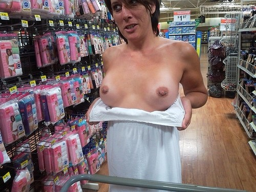 MILF Flashing Pics Flashing Store Pics Boobs Flash Pics Bitch Flashing Pics