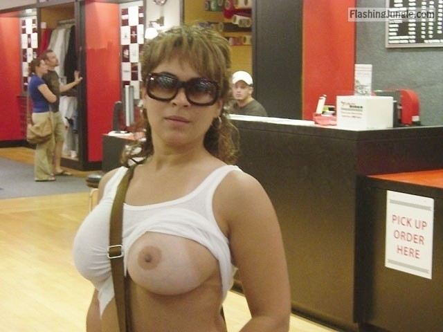 tumblr n8r4i2kLbq1st1fl9o2 640 public flashing boobs flash