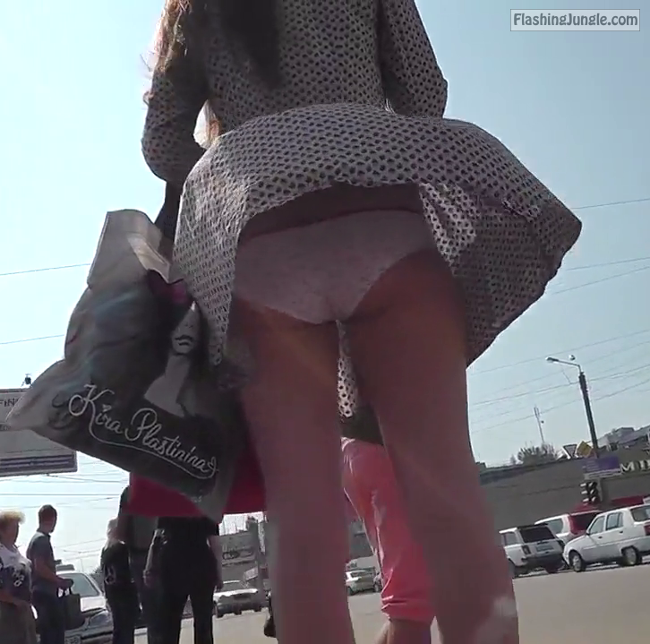 tumblr ne8e26F3bK1tv0bh4o1 1280 public flashing