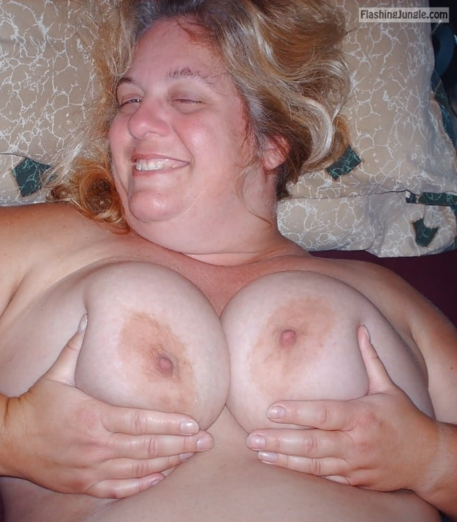 Real Nudity Mature Flashing Pics Boobs Flash Pics
