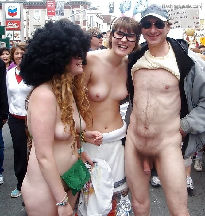 topless girls, exhibitionist Brucie Nude in public,Bay to Breakers