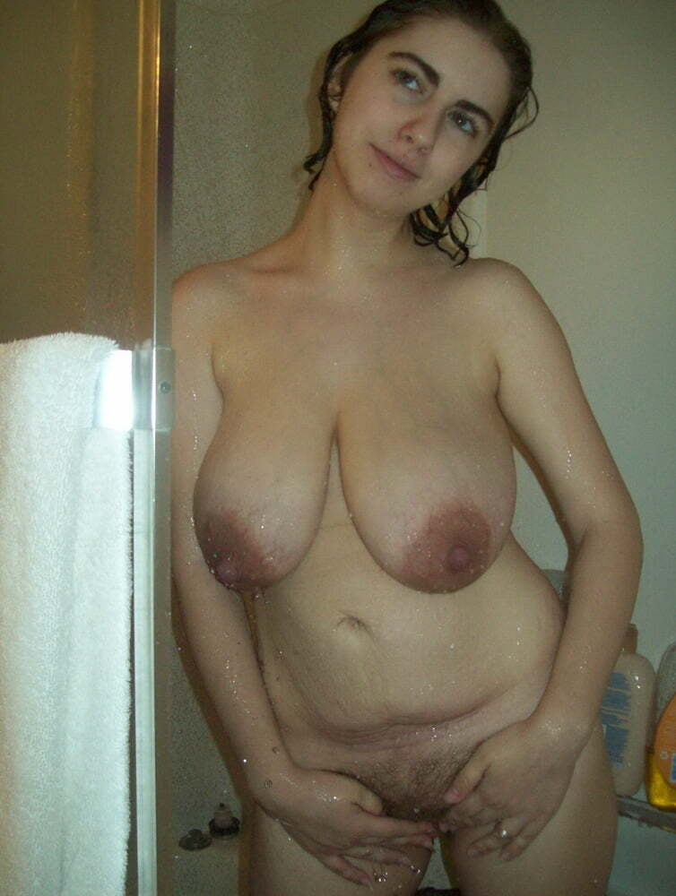 Naked House Wife Sandy Big Natural Saggy real nudity milf pics howife boobs flash