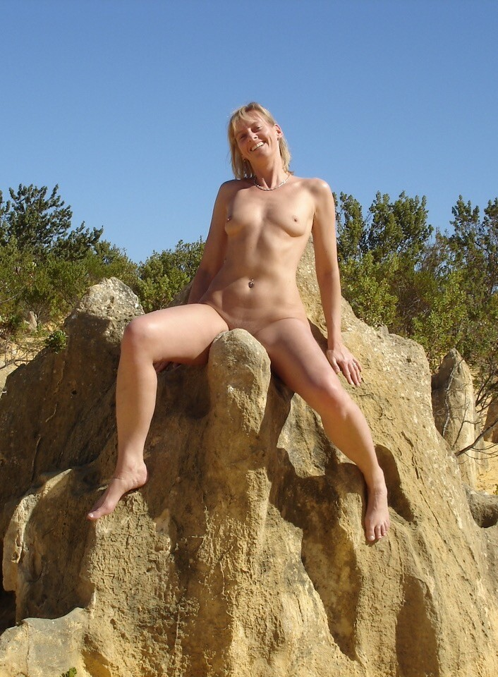 Sexy blonde MILF fully Nude on vacation