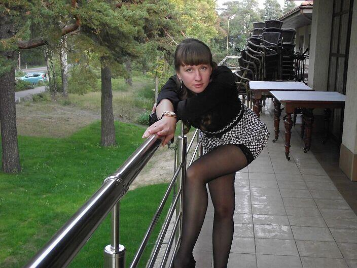 GF in stockings and mini skirt feels naughty in public real nudity public flashing