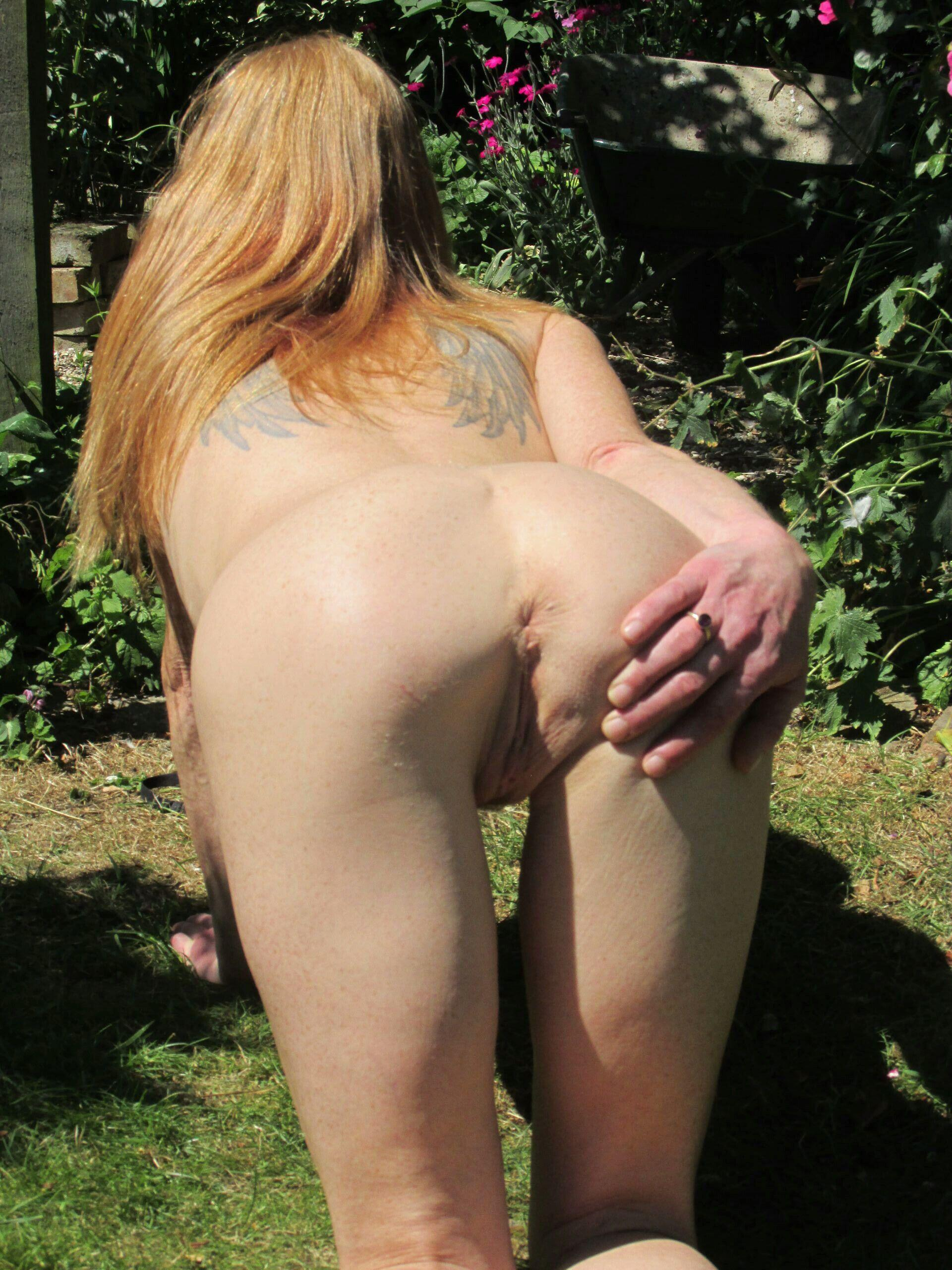 Redheaded mature slut told to open! real nudity public flashing no panties mature howife ass flash
