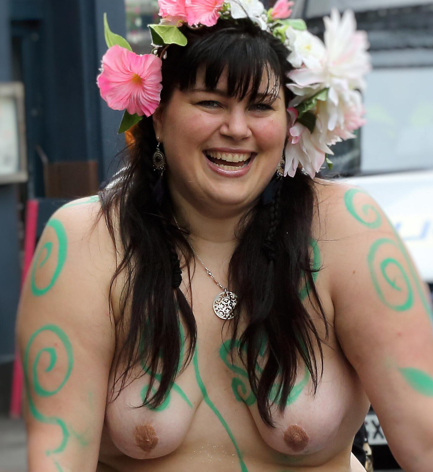 Tits bare FridaMom Shares