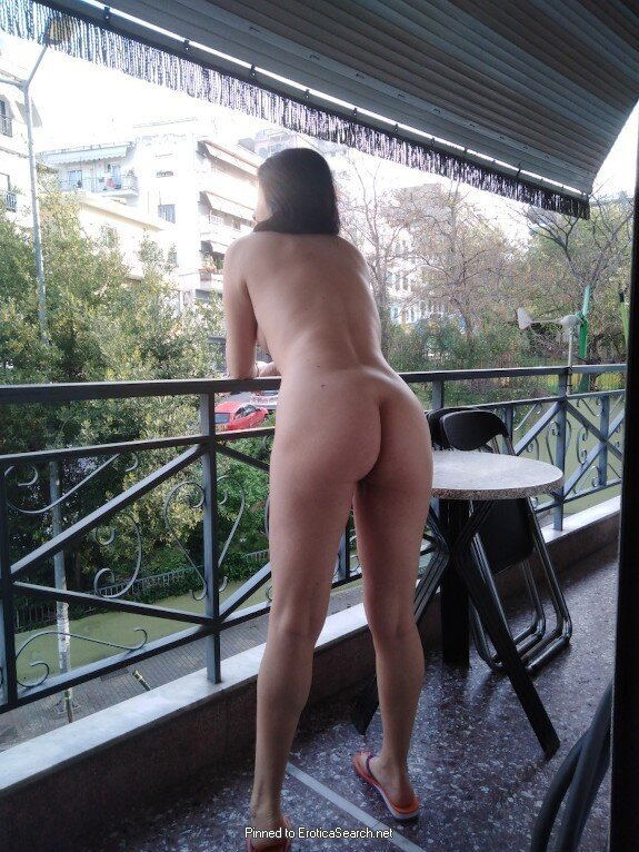 I love balcony flashing real nudity public nudity milf pics howife