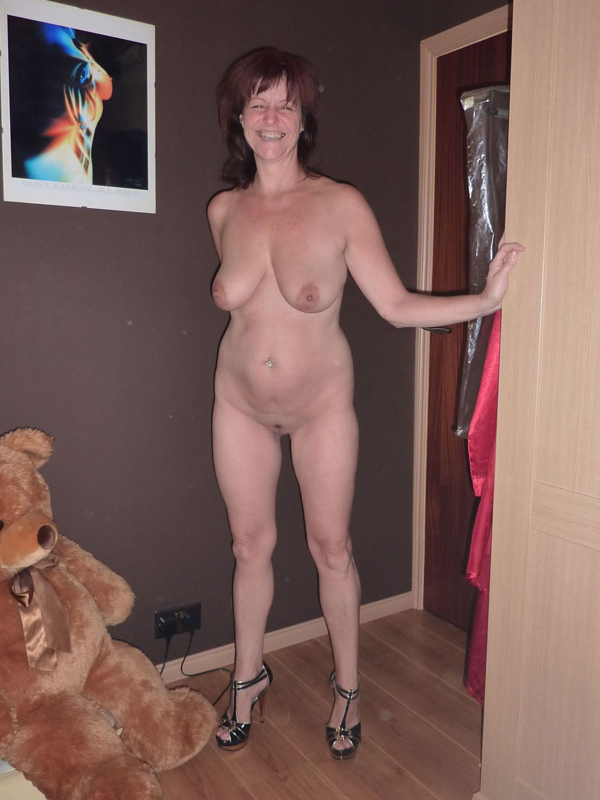 Mature slut has some new shoes! real nudity mature howife